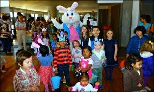 1611 Laura Cossa Easter Bunny And Friends